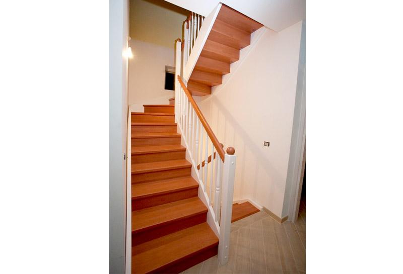 Scale in legno da interni scale retrattili scale a - Scale in legno prefabbricate ...